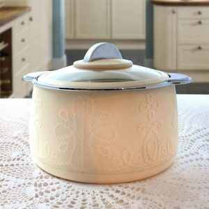Microwavable Casserole & Hot Pot
